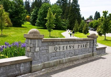 Queens_Park_Entrance_Sign_web