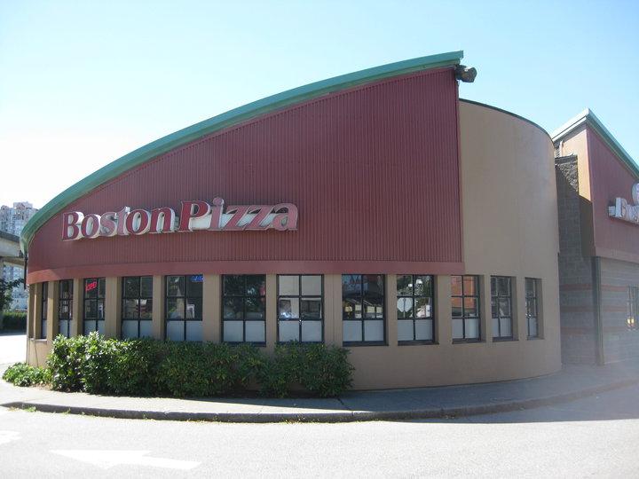 Boston Pizza Columbia Sq